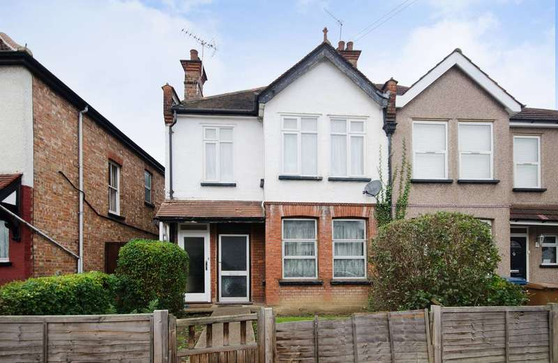 2 Bedrooms Flat for sale in Hamilton Road, Harrow, HA1