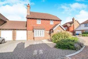 4 Bedrooms Detached House for sale in School Lane, Lower Halstow, Sittingbourne, Kent