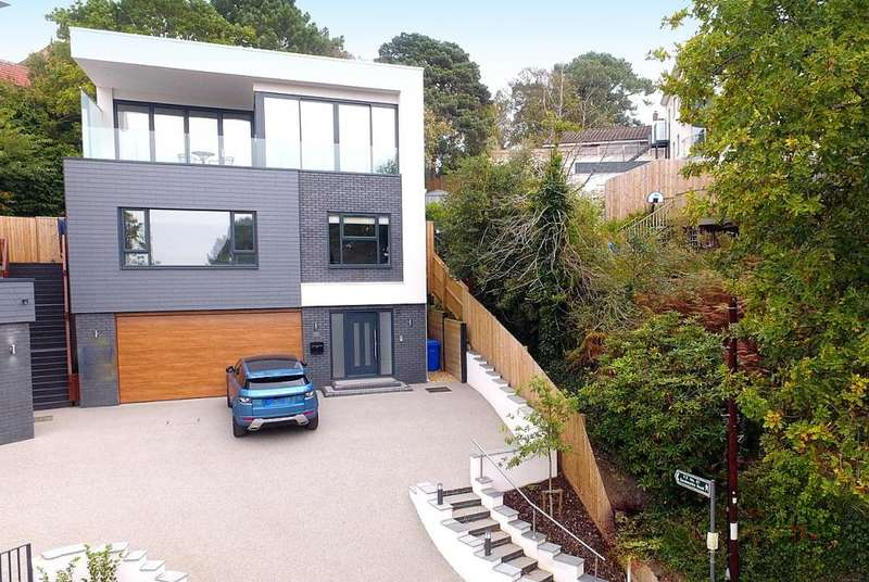 4 Bedrooms Detached House for sale in Lower Parkstone, BH14