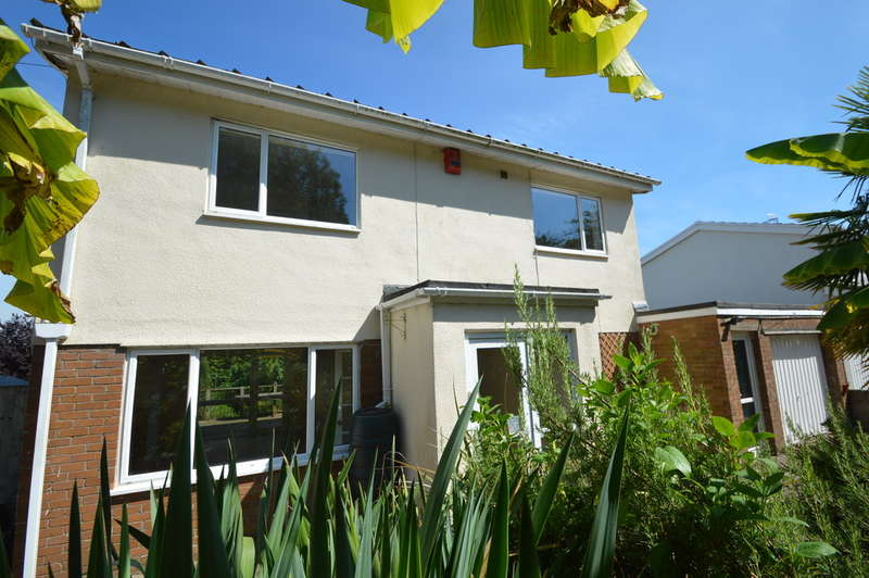 4 Bedrooms Detached House for rent in 5 Bowmans Way, Cowbridge, Cf71 7AW