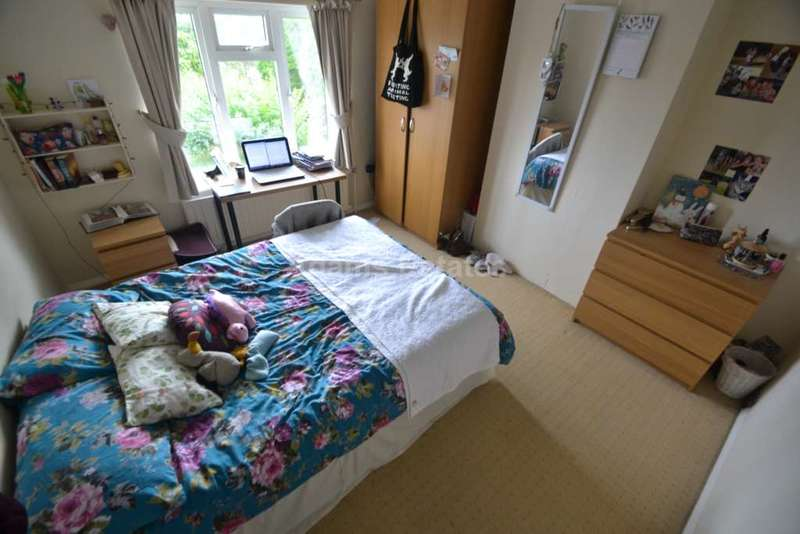 6 Bedrooms Semi Detached House for rent in Milton Road, Reading