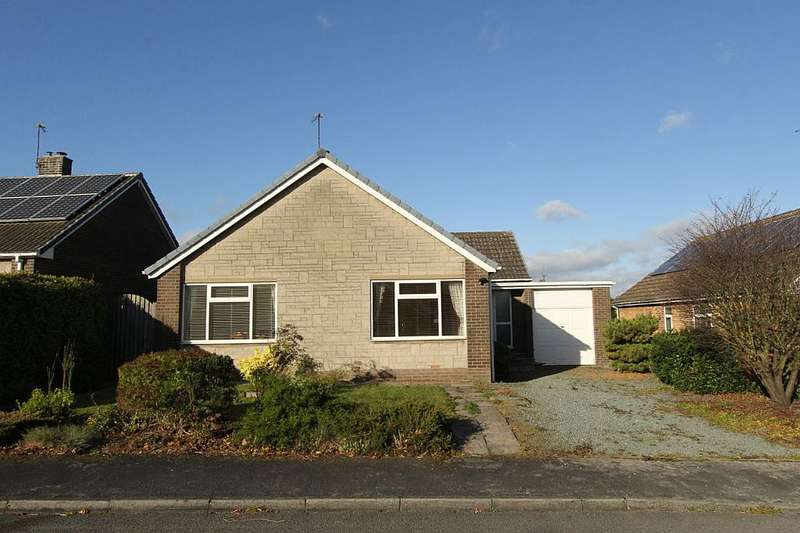 3 Bedrooms Detached Bungalow for sale in 41, Springfield Crescent, Kirk Smeaton, Pontefract, North Yorkshire, WF8 3LE