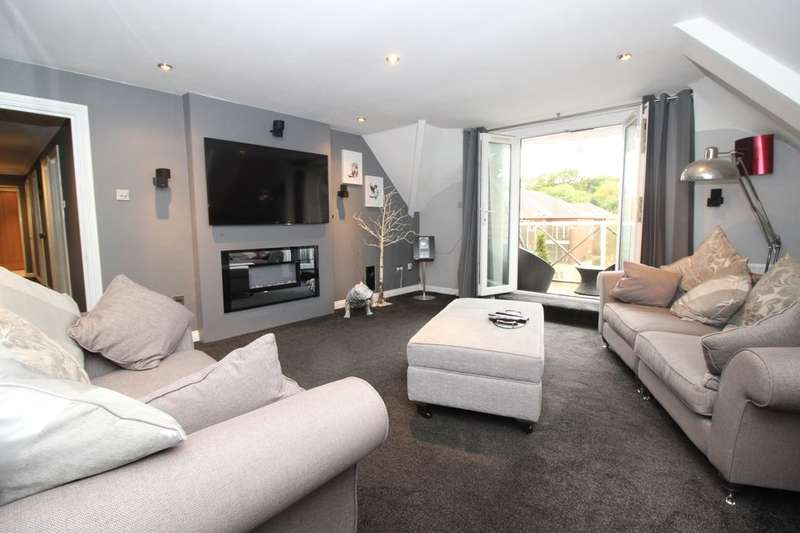 2 Bedrooms Flat for sale in Winn Road, Southampton, SO17