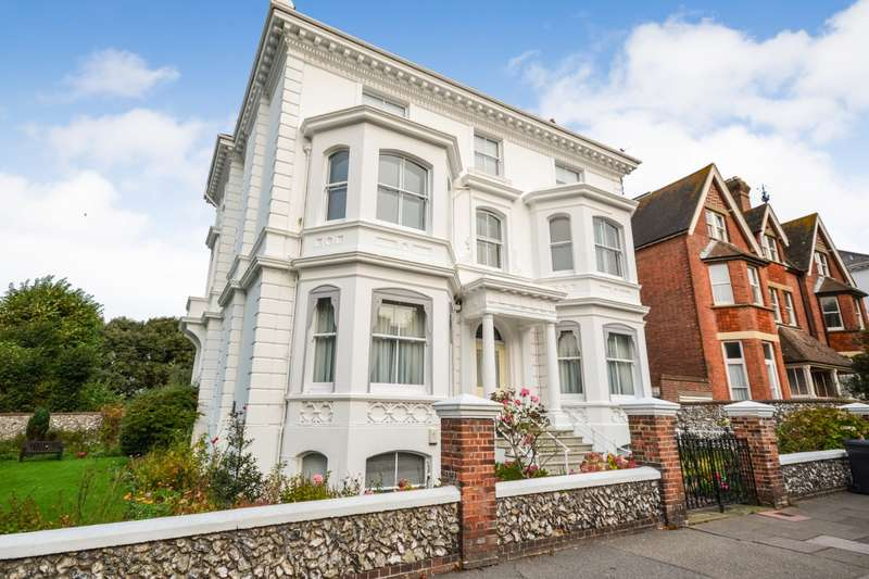 4 Bedrooms Flat for sale in Devonshire Place, Eastbourne, BN21