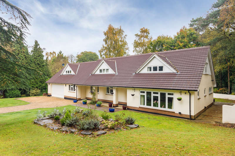 5 Bedrooms Chalet House for sale in Avon Castle, Ringwood, Hampshire