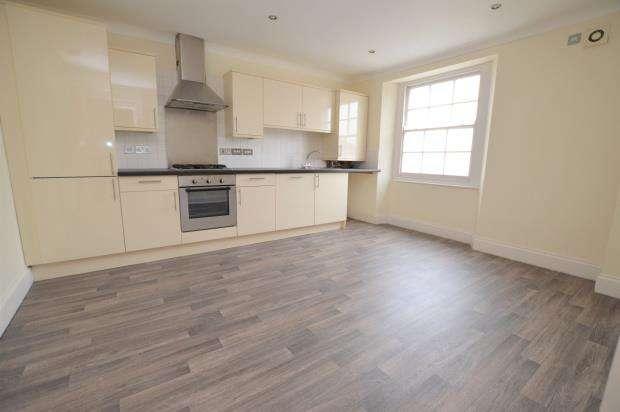 2 Bedrooms Maisonette Flat for sale in Embankment Road, Plymouth, Devon