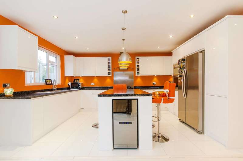 4 Bedrooms House for rent in Ashcroft, Pinner, HA5