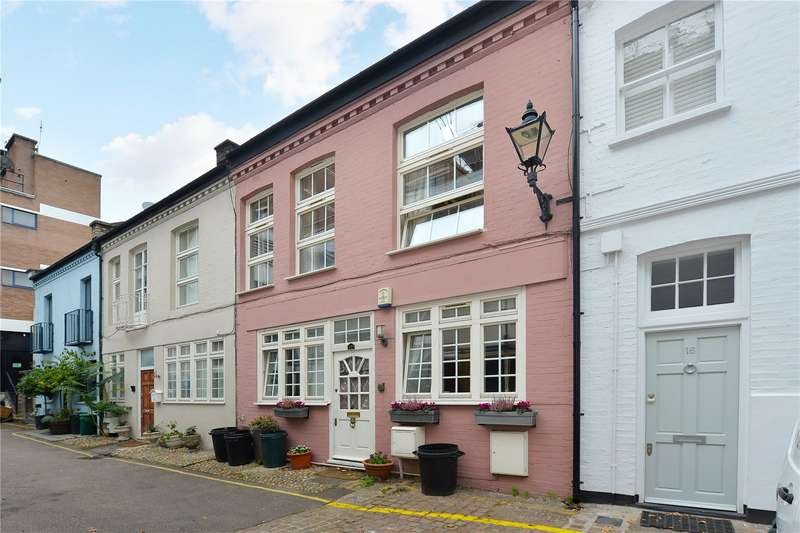 4 Bedrooms Mews House for sale in Ovington Mews, London, SW3