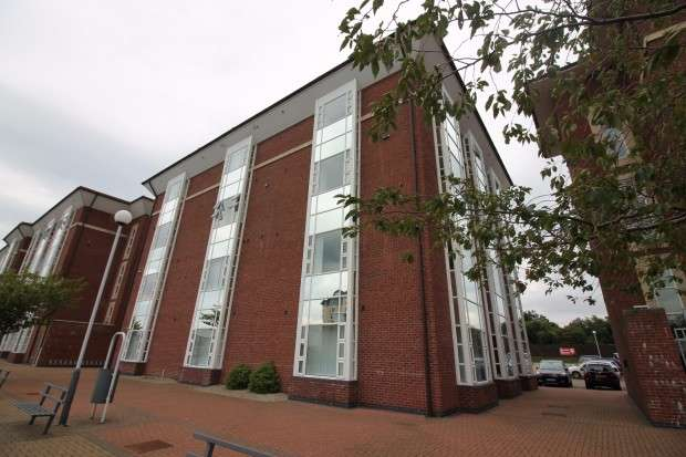1 Bedroom Apartment Flat for sale in Clifton House Thornaby Place, Thornaby, Stockton-on-Tees, TS17