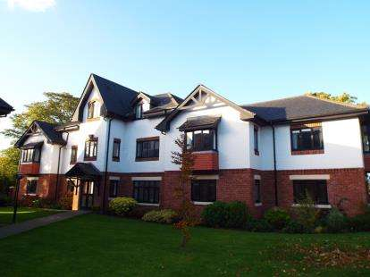 2 Bedrooms Flat for sale in Hunters Lodge, Wilmslow, Cheshire, .