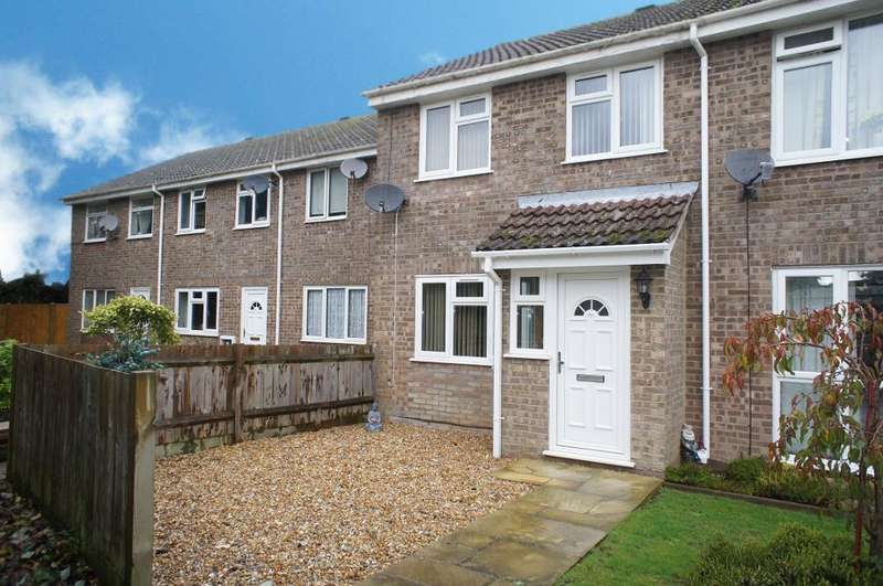 3 Bedrooms Terraced House for sale in Arran Close, Oakley, Hampshire, RG23 7LG