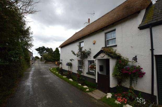 2 Bedrooms Semi Detached House for sale in Cheriton Bishop, Exeter, Devon