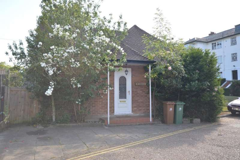 2 Bedrooms Detached Bungalow for rent in The Chilterns Brighton Road, Sutton, SM2