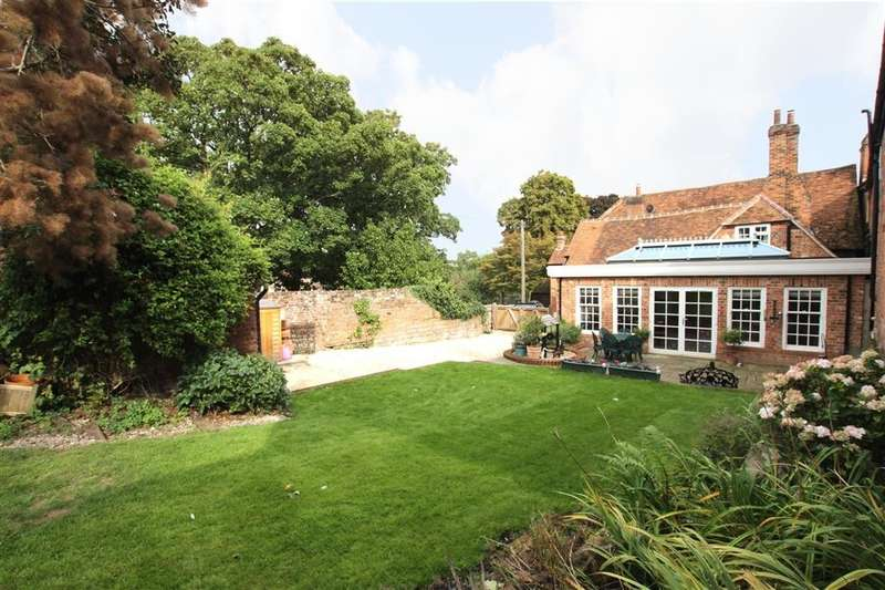 4 Bedrooms Detached House for sale in High Street, East Ilsley, Newbury, RG20