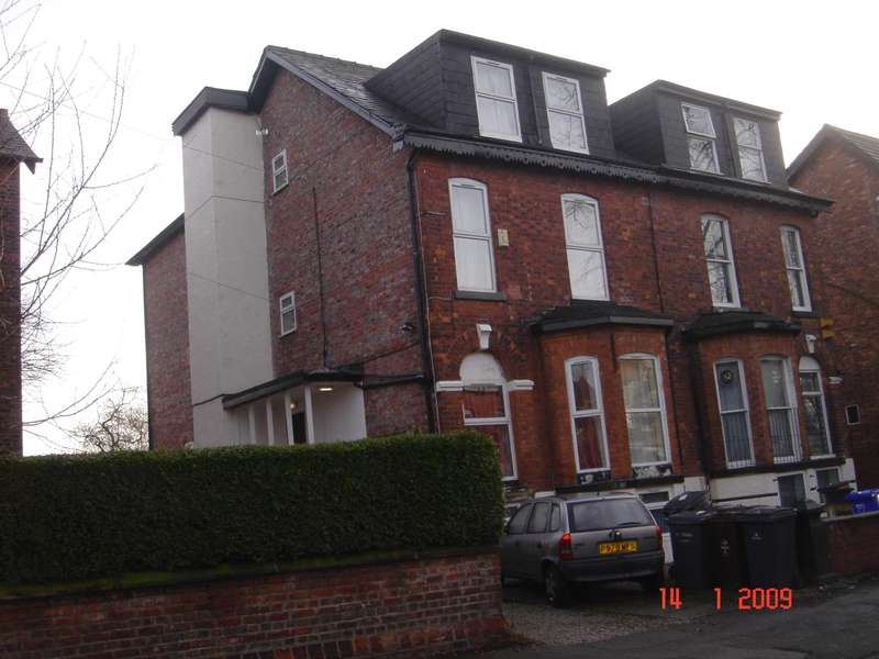6 Bedrooms Flat for rent in Amhurst Road, Fallowfield