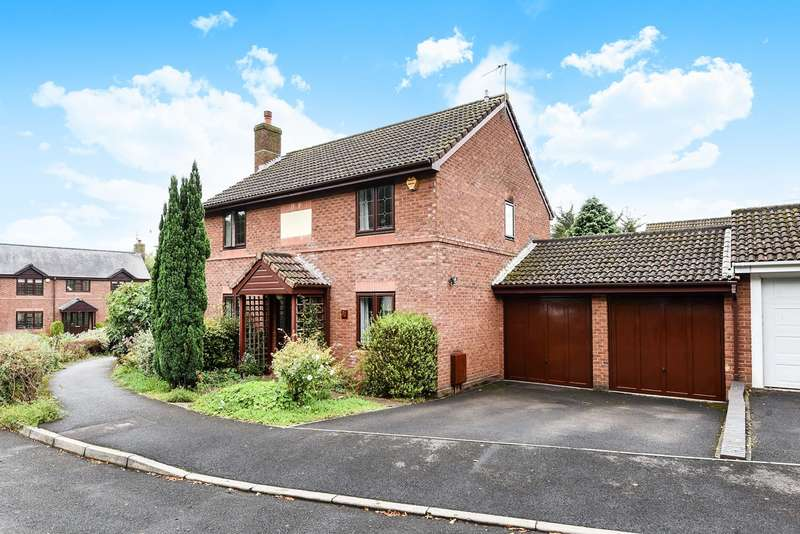 4 Bedrooms Detached House for sale in Majestic Road, Hatch Warren, Basingstoke, RG22