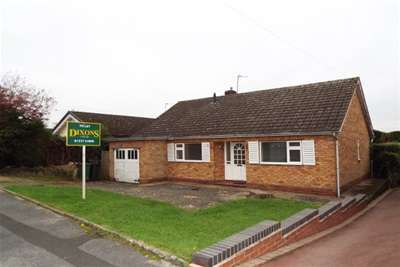 2 Bedrooms Bungalow for rent in Brotherton Avenue, Webheath