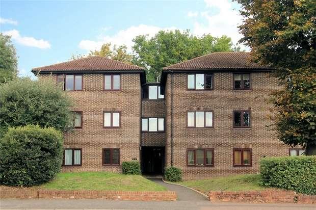 1 Bedroom Flat for sale in Heathside Road, Woking, Surrey