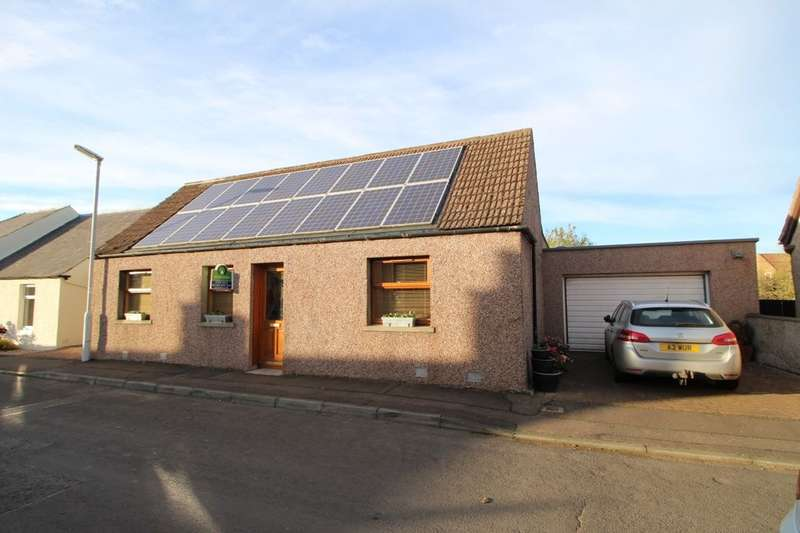 3 Bedrooms Semi Detached Bungalow for sale in Cash Feus, Strathmiglo, Cupar, KY14