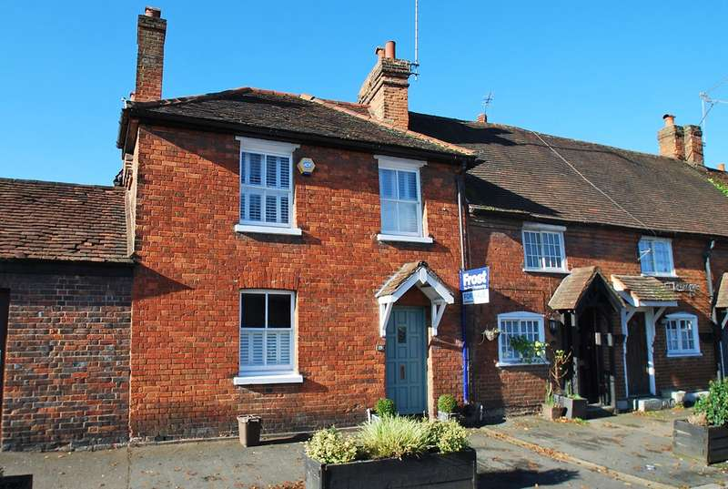 3 Bedrooms House for sale in Aylesbury End, Beaconsfield, HP9