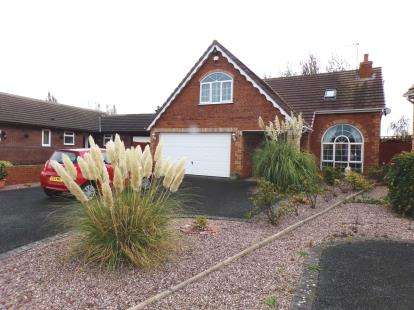 4 Bedrooms Detached House for sale in Elwy Circle, Kinmel Bay, Conwy, LL18