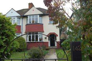3 Bedrooms Semi Detached House for sale in Whytecliffe Road North, Purley, Surrey