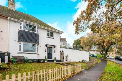 3 Bedrooms Semi Detached House for sale in Torquay, Devon, England