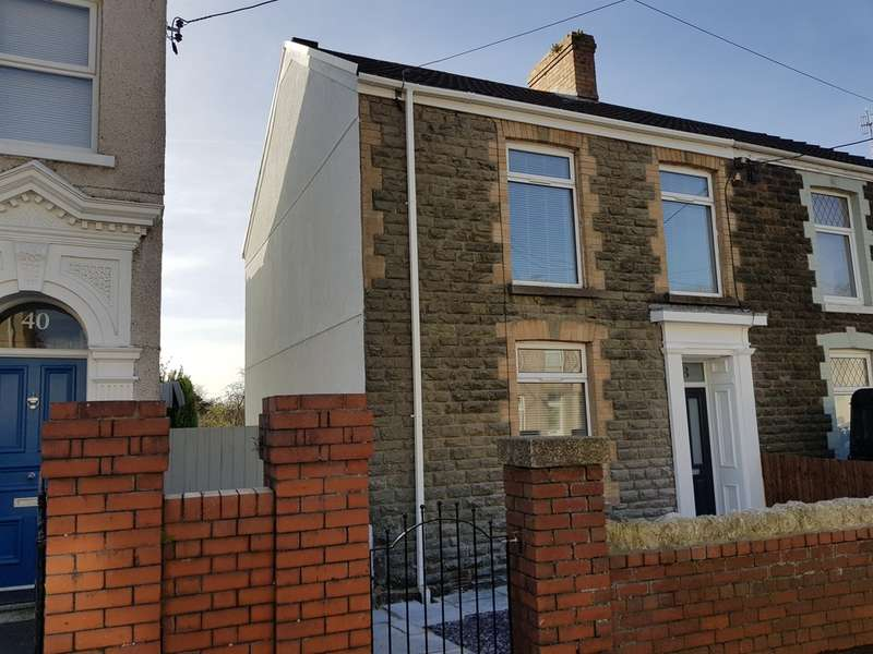 3 Bedrooms Semi Detached House for sale in Culfor Road, Loughor, Swansea