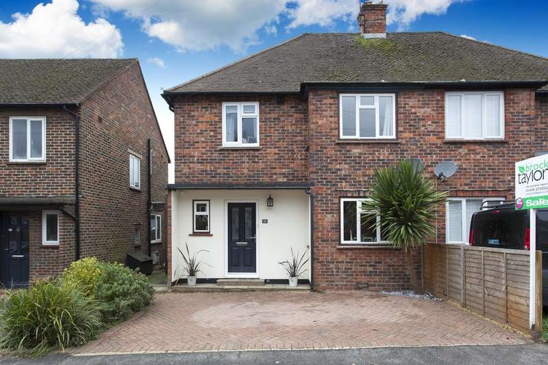 3 Bedrooms Semi Detached House for sale in Orchard Road, Horsham