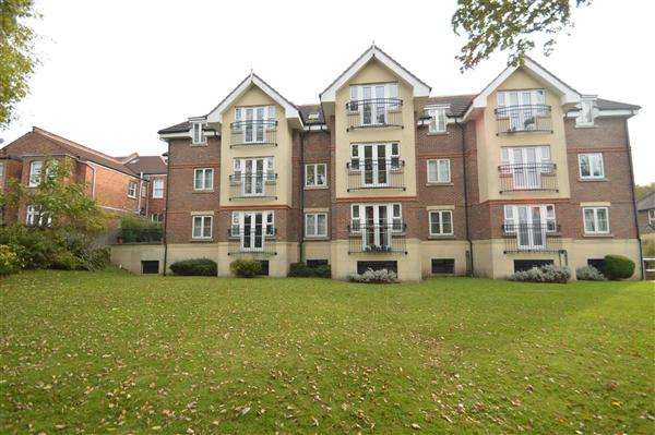 2 Bedrooms Apartment Flat for sale in Hazelmere Court, Station Road, Hendon