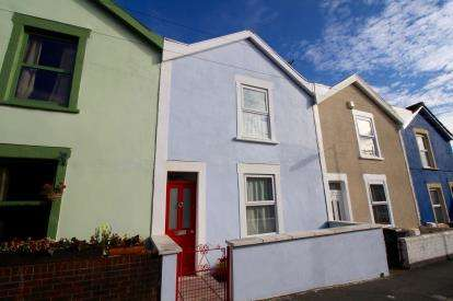 2 Bedrooms Terraced House for sale in Hollywood Road, Brislington, Bristol