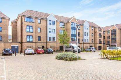 2 Bedrooms Flat for sale in Marbled White Court, Little Paxton, St. Neots, Cambridgeshire