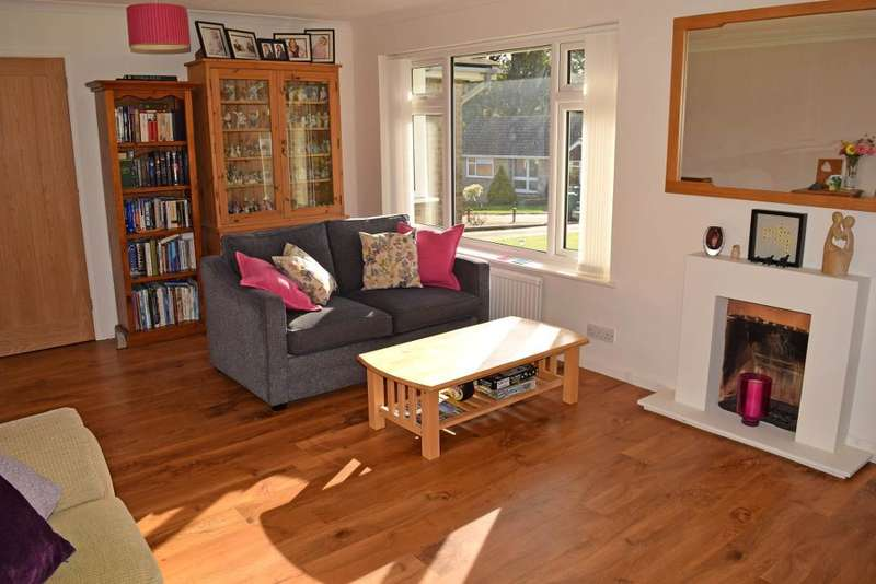 3 Bedrooms Detached Bungalow for sale in Glynn Close, Seaview, Isle of Wight, PO34 5JZ
