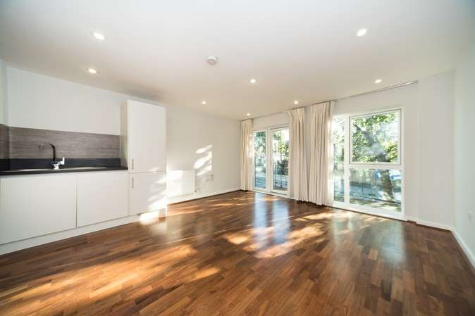 2 Bedrooms Flat for sale in Townshend House, Acton