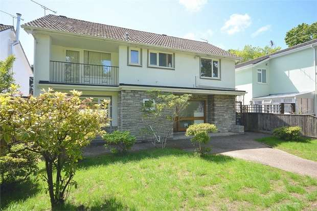 3 Bedrooms Detached House for sale in Talbot Woods, Bournemouth, Dorset