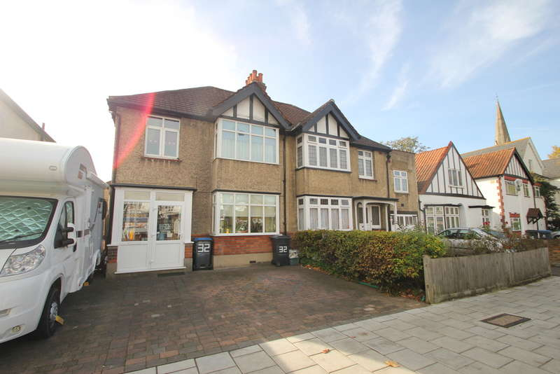 3 Bedrooms Semi Detached House for sale in Surbiton