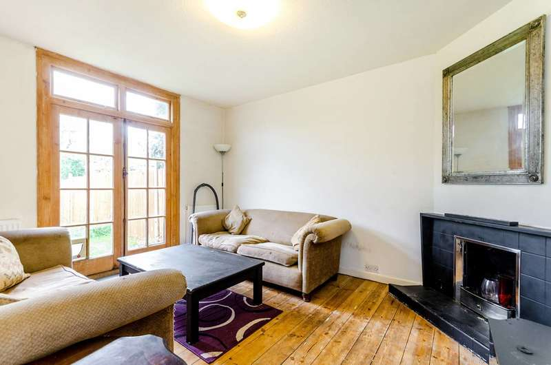 3 Bedrooms Semi Detached House for sale in Kingsmead Avenue, Surbiton, KT6