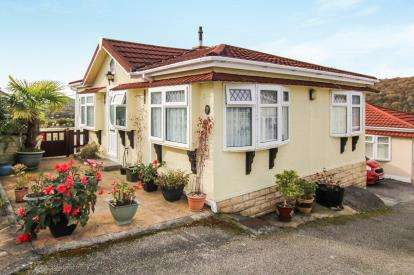2 Bedrooms Bungalow for sale in Dunmere, Bodmin, Cornwall