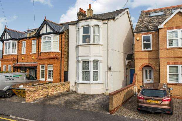 3 Bedrooms Detached House for sale in Kingston Upon Thames, Surrey, United Kingdom