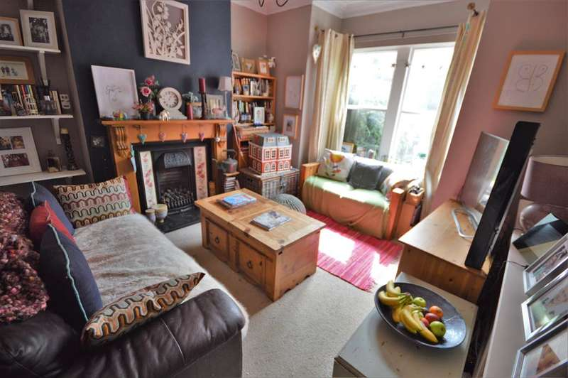 3 Bedrooms Terraced House for sale in Central Avenue, Wigston, LE18 2AB