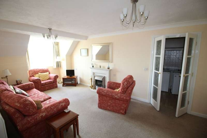 2 Bedrooms Flat for sale in Freshfield Road, Formby, Liverpool, L37