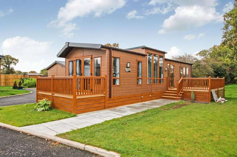 2 Bedrooms Detached Bungalow for sale in The Linear, Royal Vale London Road, Allostock, Knutsford, WA16