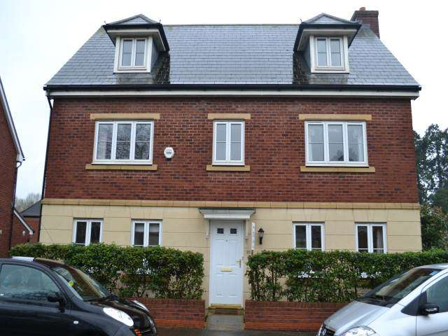 5 Bedrooms House for rent in Fleming Way (Students), Exeter,
