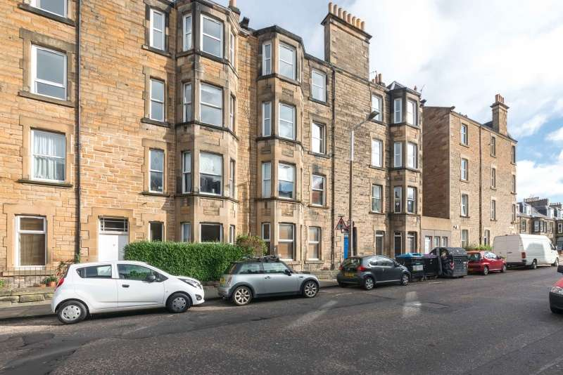 2 Bedrooms Flat for sale in Shandon Place, Edinburgh, EH11 1QN