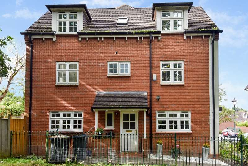 4 Bedrooms Semi Detached House for sale in Griffin Close, Northfield, Birmingham, B31