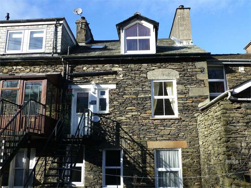 3 Bedrooms Maisonette Flat for sale in LA23 3AX Craig Walk, Bowness on Windermere, Windermere, Cumbria