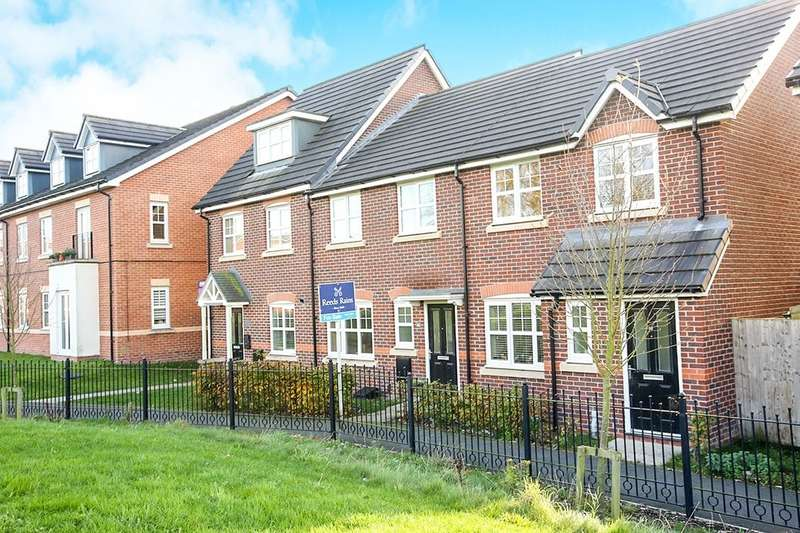 3 Bedrooms Property for sale in Wallbrook Avenue, Macclesfield, SK10