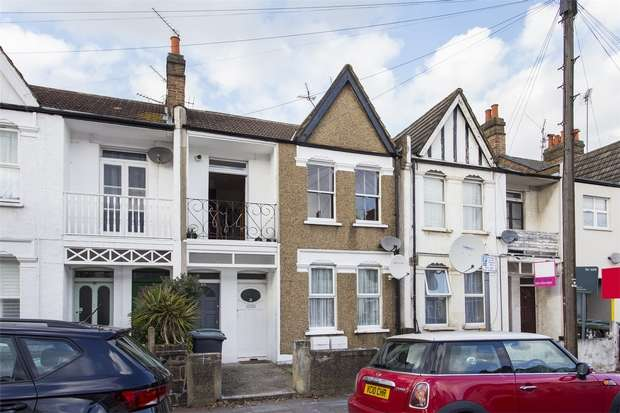 3 Bedrooms Flat for sale in Sirdar Road, Wood Green, N22