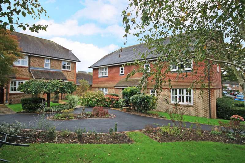 2 Bedrooms Flat for sale in Rosehill, Billingshurst, RH14
