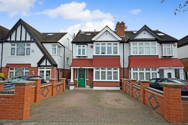 4 Bedrooms Semi Detached House for sale in Spencer Road, Sudbury Court Estate, North Wembley, Middlesex